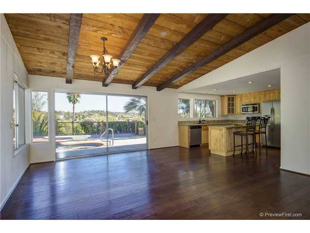 Photo 9: SOUTH ESCONDIDO House for sale : 3 bedrooms : 2494 REILL VIEW Drive in Escondido