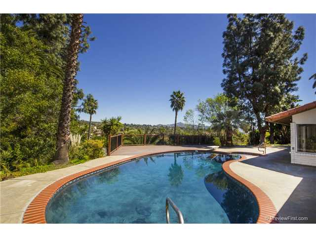 Photo 21: SOUTH ESCONDIDO House for sale : 3 bedrooms : 2494 REILL VIEW Drive in Escondido