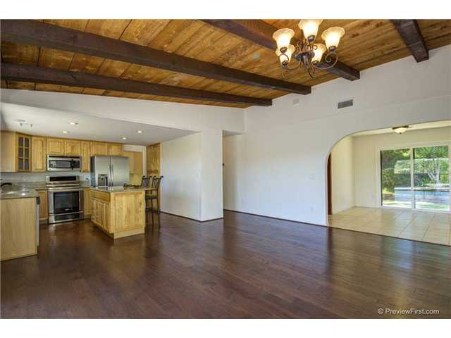 Photo 11: SOUTH ESCONDIDO House for sale : 3 bedrooms : 2494 REILL VIEW Drive in Escondido