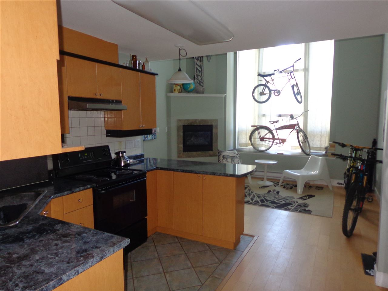 Photo 2: 3 3726 COMMERCIAL STREET in Vancouver: Victoria VE Condo for sale (Vancouver East)  : MLS(r) # R2037396