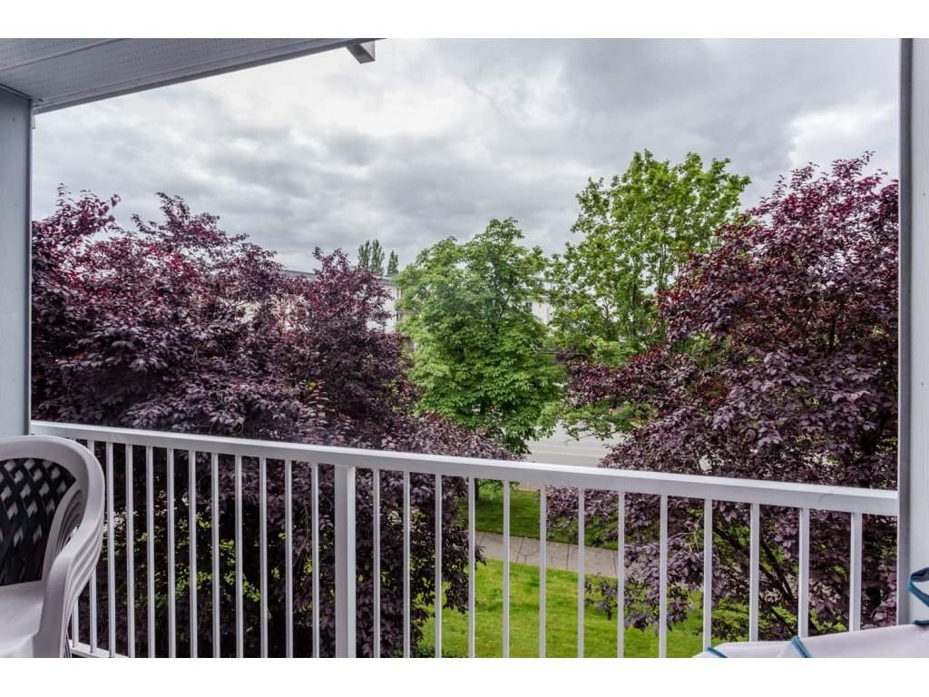 Photo 14: 302 5465 201 STREET in Langley: Langley City Condo for sale : MLS® # R2078441