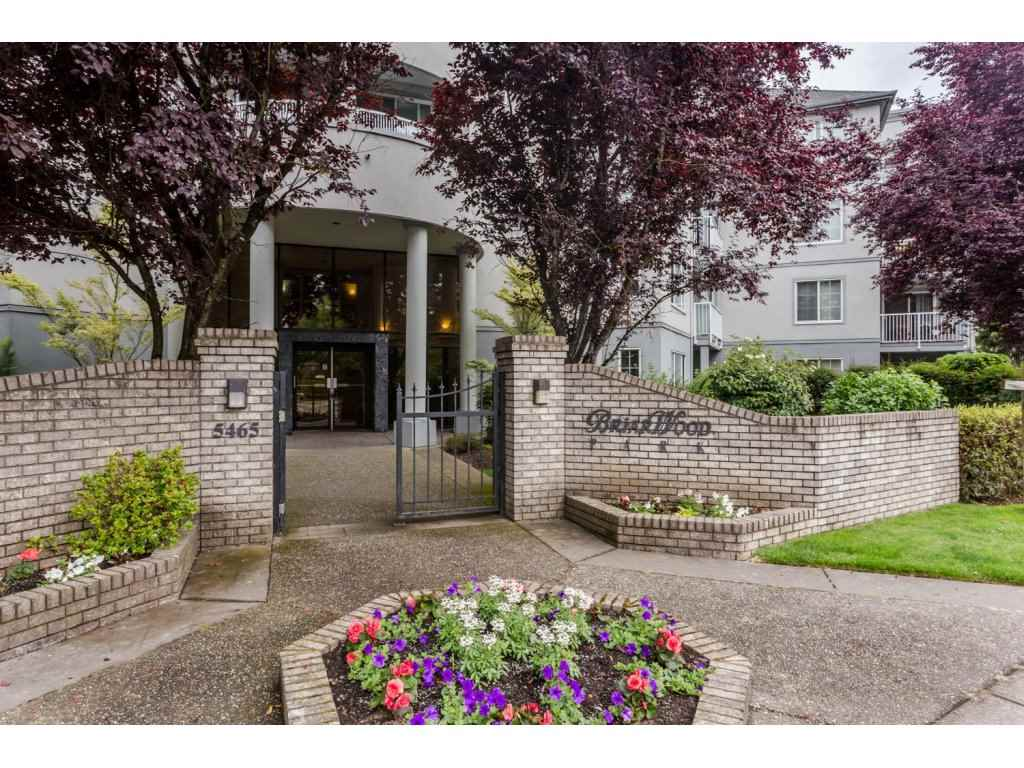 Main Photo: 302 5465 201 STREET in Langley: Langley City Condo for sale : MLS® # R2078441