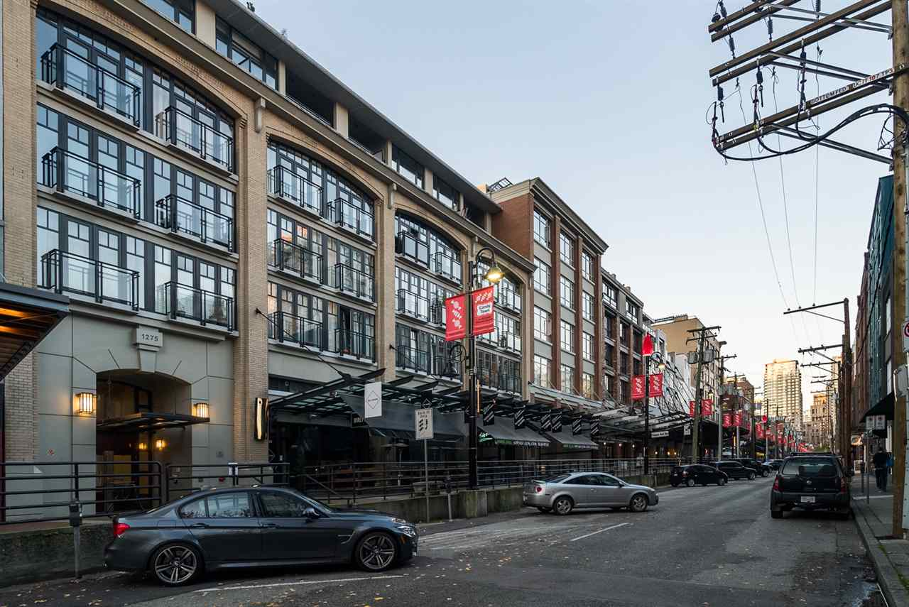 Main Photo: 308 1275 HAMILTON STREET in Vancouver: Yaletown Condo for sale (Vancouver West)  : MLS®# R2240077