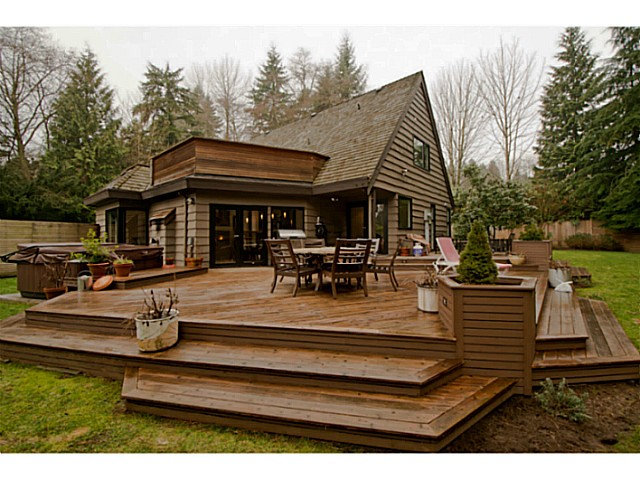 Main Photo: 485 NEWLANDS RD in West Vancouver: Cedardale House for sale : MLS® # V987127