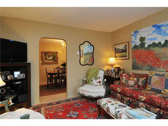 Photo 8: Photos: 1529 FRANCES ST in : Hastings House for sale : MLS® # V874977
