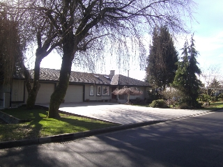 Main Photo: 532 Appian Way in : Coquitlam West House for sale (Coquitlam)  : MLS® # v991553