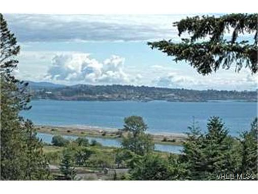 Main Photo: 280 Milburn Drive in VICTORIA: Co Lagoon Single Family Detached for sale (Colwood)  : MLS® # 231521
