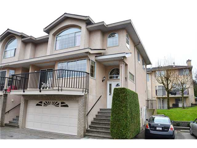 Main Photo: 36 22488 116th Street in Maple Ridge: Townhouse for sale : MLS®# v1109244