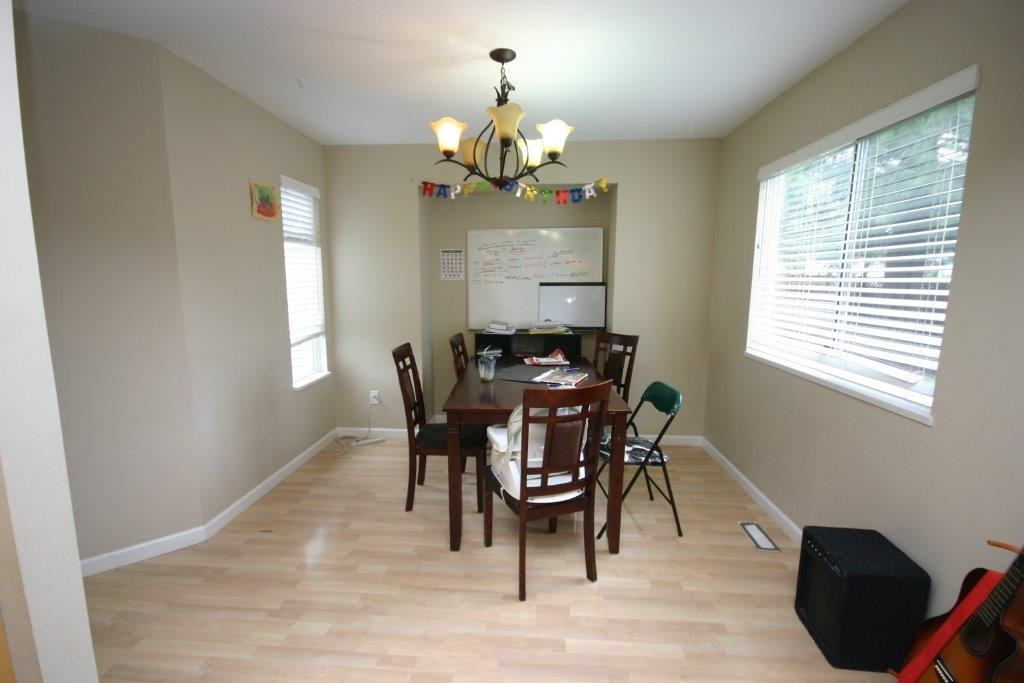 Photo 3: 21556 ASHBURY COURT in Maple Ridge: West Central House for sale : MLS(r) # R2056995
