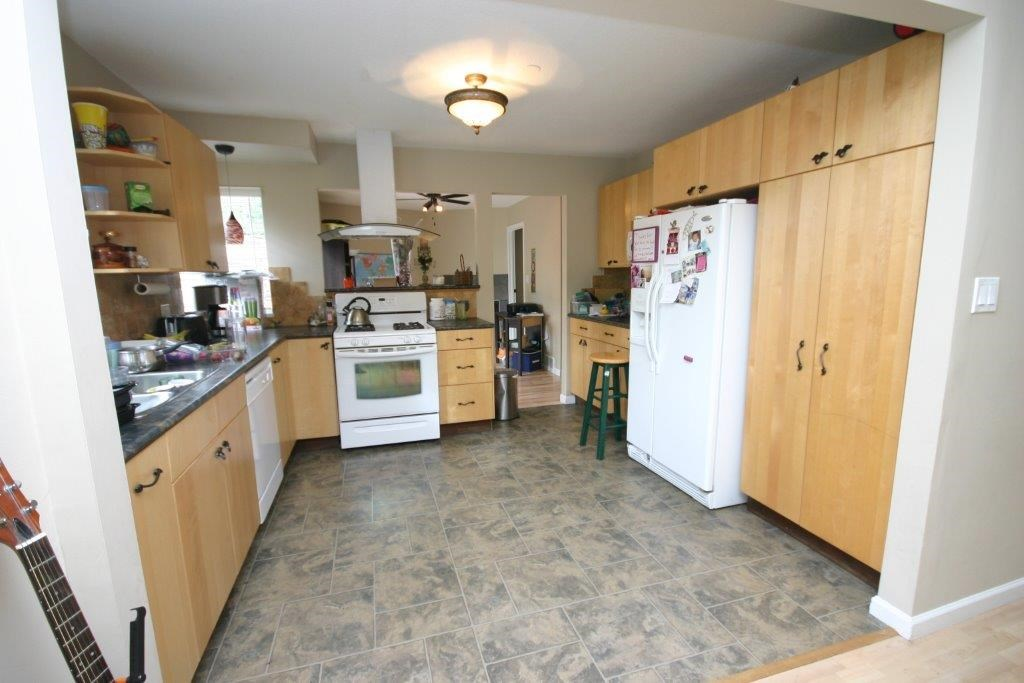 Photo 2: 21556 ASHBURY COURT in Maple Ridge: West Central House for sale : MLS(r) # R2056995