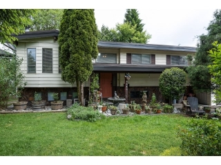 Main Photo: 3640 OLD CLAYBURN ROAD in Abbotsford: Abbotsford East House for sale : MLS®# R2067281