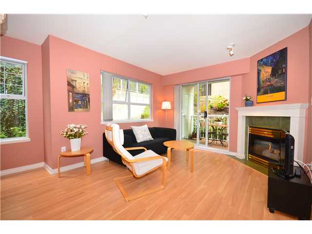 "Photo 2: 307 1035 AUCKLAND Street in New Westminster: Uptown NW Condo for sale in ""Queens Terrace"" : MLS® # V942214"