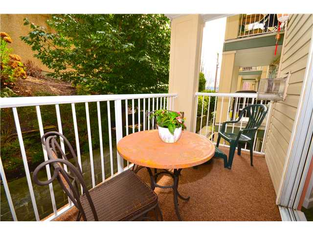 "Photo 8: 307 1035 AUCKLAND Street in New Westminster: Uptown NW Condo for sale in ""Queens Terrace"" : MLS® # V942214"