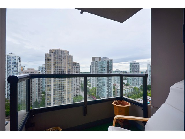 "Photo 7: # 1907 977 MAINLAND ST in Vancouver: Yaletown Condo for sale in ""YALETOWN PARK III"" (Vancouver West)  : MLS® # V1015117"
