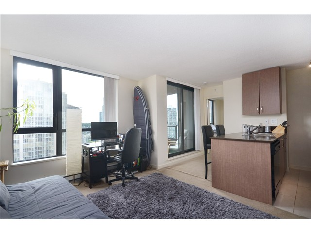 "Photo 5: # 1907 977 MAINLAND ST in Vancouver: Yaletown Condo for sale in ""YALETOWN PARK III"" (Vancouver West)  : MLS® # V1015117"
