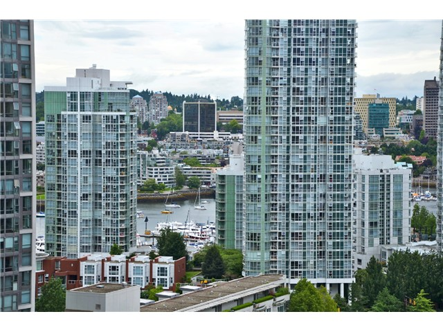 "Main Photo: # 1907 977 MAINLAND ST in Vancouver: Yaletown Condo for sale in ""YALETOWN PARK III"" (Vancouver West)  : MLS® # V1015117"