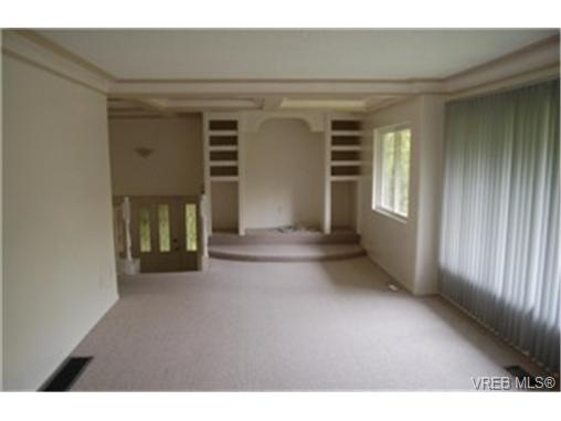 Photo 3: 568 Latoria Road in VICTORIA: Co Latoria Single Family Detached for sale (Colwood)  : MLS® # 228768