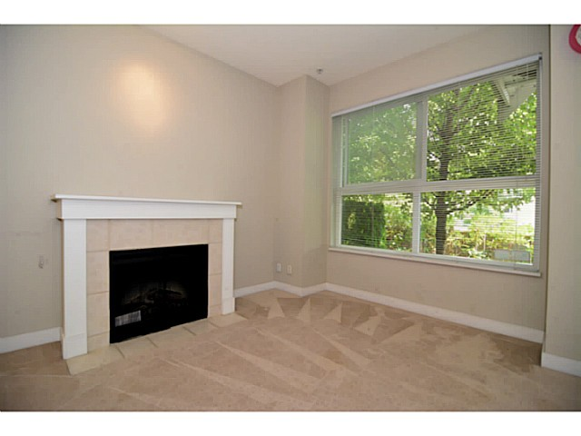 Photo 3: # 6 3298 E 54TH AV in Vancouver: Champlain Heights Condo for sale (Vancouver East)  : MLS(r) # V1080707
