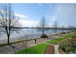 Main Photo: # 208 12 K DE K CT in New Westminster: Quay Condo for sale : MLS(r) # V1127727