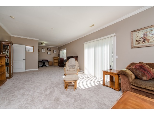 Photo 16: 27908 BUFFER CRESCENT in Abbotsford: House for sale : MLS(r) # R2050857