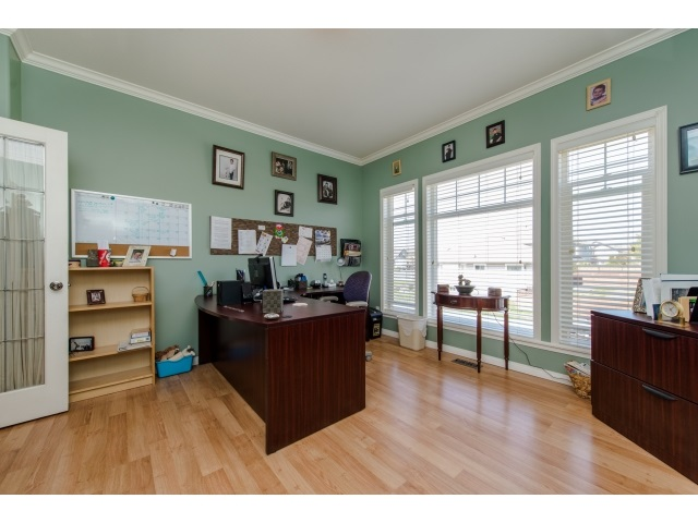 Photo 10: 27908 BUFFER CRESCENT in Abbotsford: House for sale : MLS(r) # R2050857