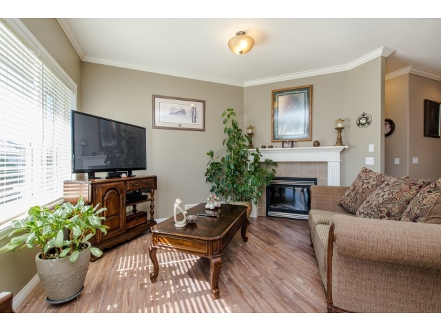Photo 8: 27908 BUFFER CRESCENT in Abbotsford: House for sale : MLS(r) # R2050857