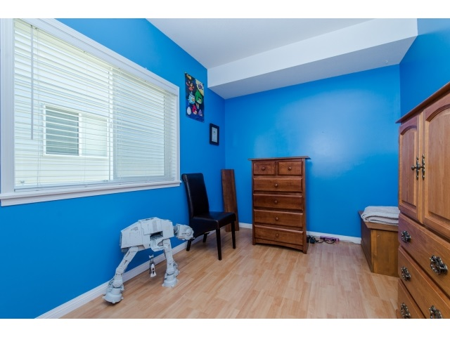 Photo 18: 27908 BUFFER CRESCENT in Abbotsford: House for sale : MLS(r) # R2050857