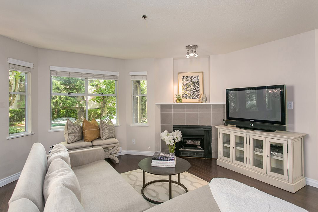 Main Photo: 1445 WALNUT STREET in Vancouver: Kitsilano Townhouse for sale (Vancouver West)  : MLS® # R2090104