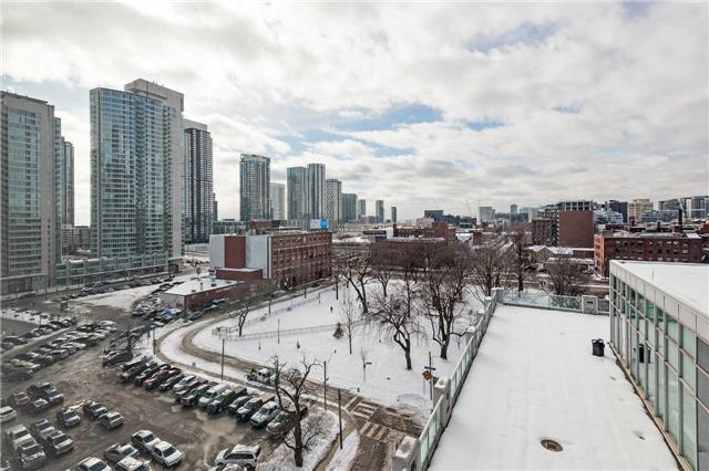 Photo 17: 36 Blue Jays Way Unit #924 in Toronto: Waterfront Communities C1 Condo for sale (Toronto C01)  : MLS(r) # C3706205