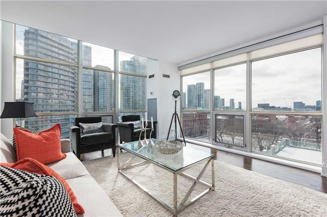 Photo 7: 36 Blue Jays Way Unit #924 in Toronto: Waterfront Communities C1 Condo for sale (Toronto C01)  : MLS(r) # C3706205