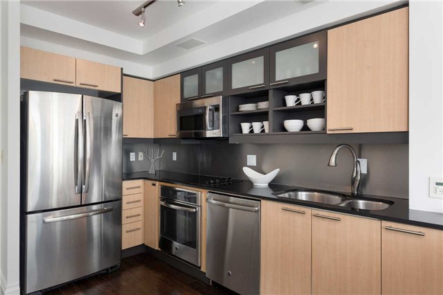 Photo 5: 36 Blue Jays Way Unit #924 in Toronto: Waterfront Communities C1 Condo for sale (Toronto C01)  : MLS(r) # C3706205
