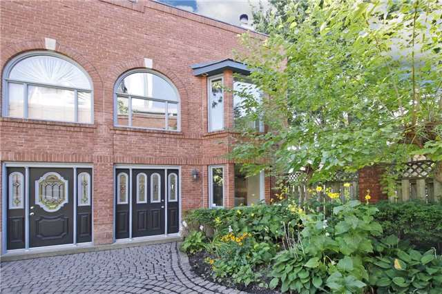 FEATURED LISTING: 1 - 253 Wellesley Street Toronto