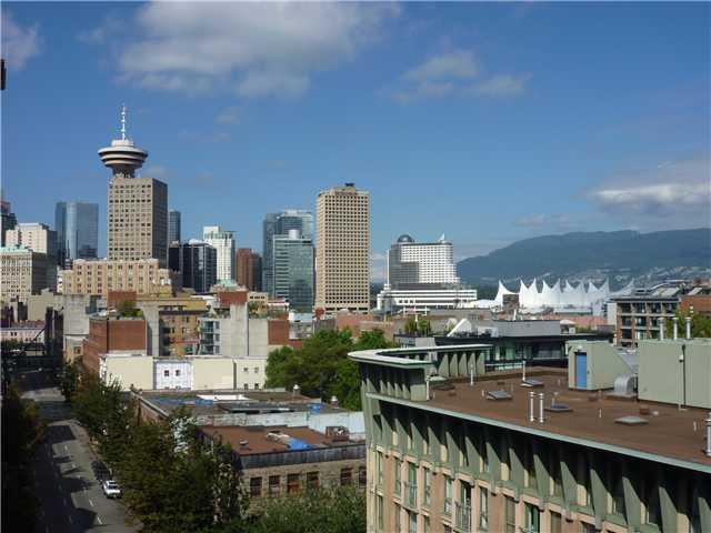 "Main Photo: 708 22 E CORDOVA Street in Vancouver: Downtown VE Condo for sale in ""THE VAN HORNE"" (Vancouver East)  : MLS® # V969669"