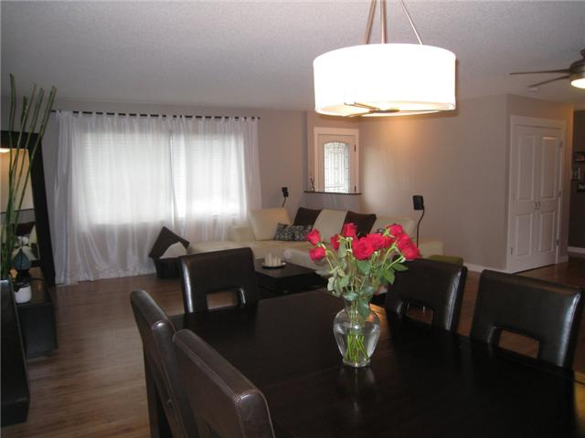 Photo 7: 6628 LAW Drive SW in CALGARY: Lakeview Residential Detached Single Family for sale (Calgary)  : MLS® # C3552508