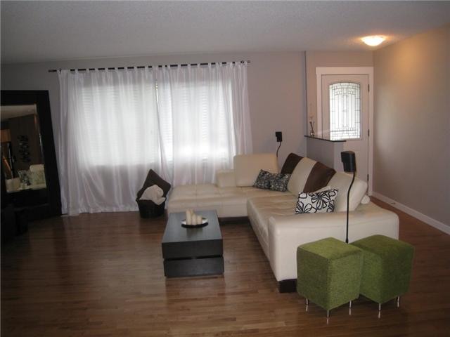 Photo 6: 6628 LAW Drive SW in CALGARY: Lakeview Residential Detached Single Family for sale (Calgary)  : MLS® # C3552508