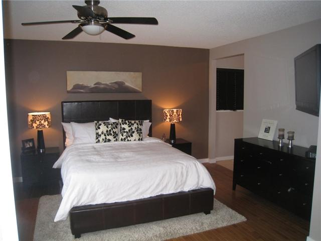 Photo 10: 6628 LAW Drive SW in CALGARY: Lakeview Residential Detached Single Family for sale (Calgary)  : MLS® # C3552508