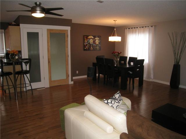 Photo 8: 6628 LAW Drive SW in CALGARY: Lakeview Residential Detached Single Family for sale (Calgary)  : MLS® # C3552508