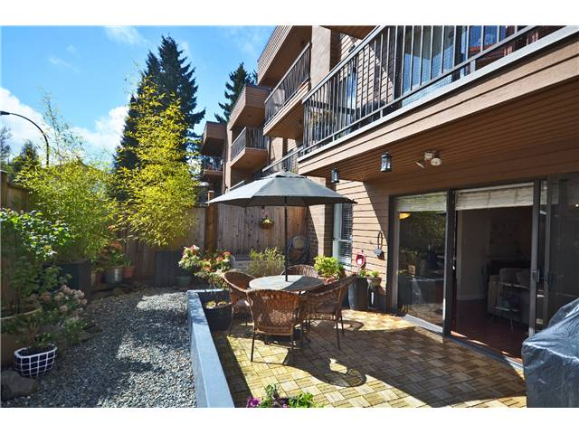 "Main Photo: 104 3264 OAK Street in Vancouver: Cambie Condo for sale in ""THE OAKS"" (Vancouver West)  : MLS(r) # V1002842"