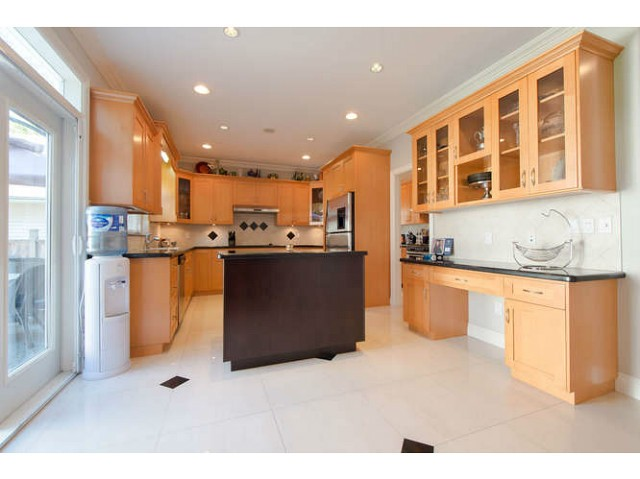 Photo 3: 2171 CATALINA Crescent in Richmond: Sea Island House for sale : MLS® # V1079283