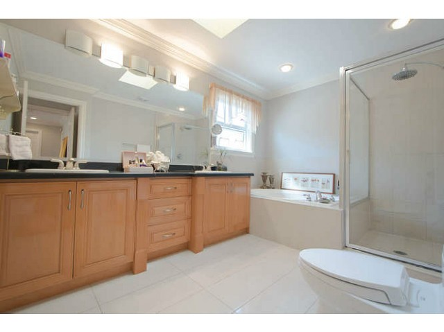 Photo 16: 2171 CATALINA Crescent in Richmond: Sea Island House for sale : MLS® # V1079283