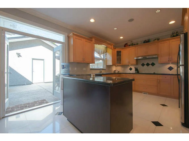 Photo 4: 2171 CATALINA Crescent in Richmond: Sea Island House for sale : MLS® # V1079283