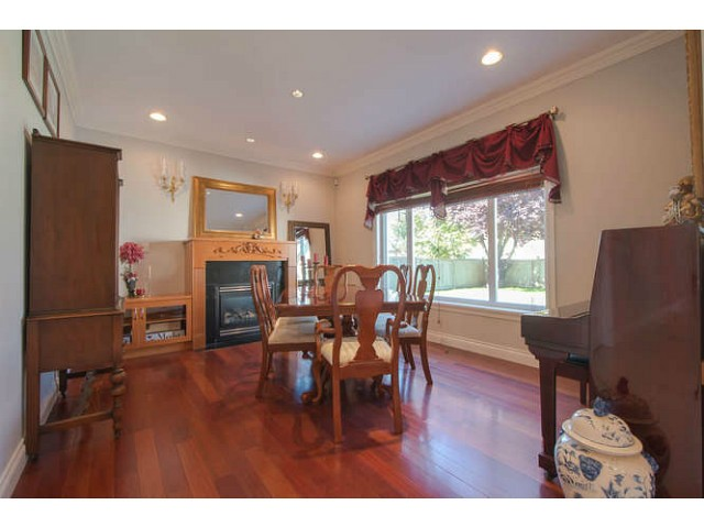 Photo 2: 2171 CATALINA Crescent in Richmond: Sea Island House for sale : MLS® # V1079283