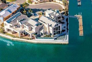 Main Photo: House for sale : 8 bedrooms : 1 Spinnaker Way in Coronado
