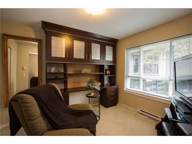 Photo 4: 118 2418 AVON PLACE in Port Coquitlam: Riverwood Townhouse for sale : MLS® # R2153308