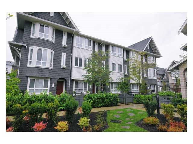 Photo 2: 118 2418 AVON PLACE in Port Coquitlam: Riverwood Townhouse for sale : MLS® # R2153308