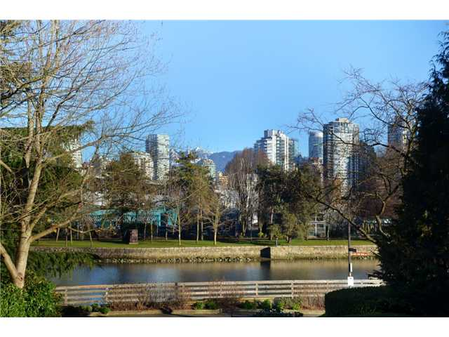 "Main Photo: 13 1201 LAMEY'S MILL Road in Vancouver: False Creek Condo for sale in ""ALDER BAY PLACE"" (Vancouver West)  : MLS® # V930096"