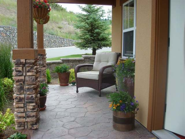 Main Photo: 1055 ABERDEEN DRIVE in Kamloops: Aberdeen Residential Detached for sale : MLS® # 112055