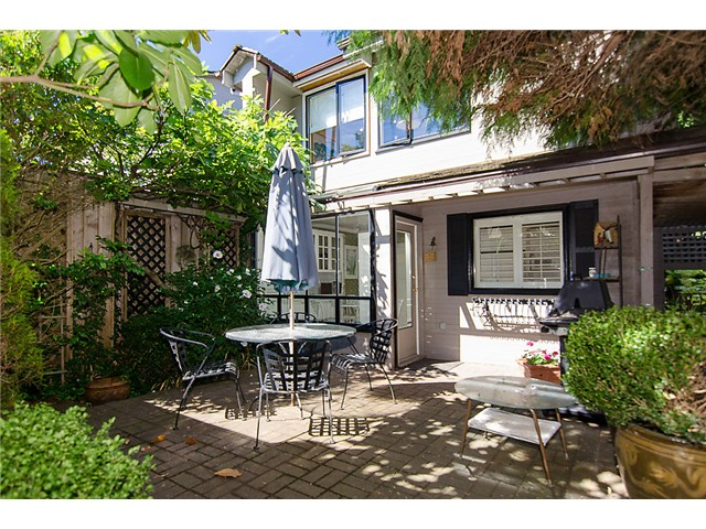 Main Photo: 2014 W 13TH Avenue in Vancouver: Kitsilano House 1/2 Duplex for sale (Vancouver West)  : MLS®# V968652