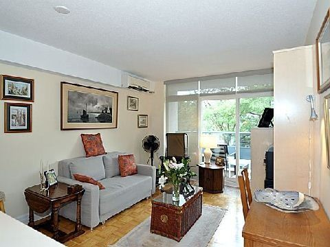 Main Photo: 10 30 Gloucester Street in Toronto: Church-Yonge Corridor Condo for sale (Toronto C08)  : MLS® # C2698064