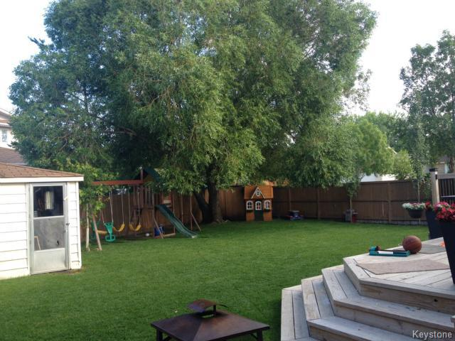 Photo 17: 55 Middlehurst Crescent in WINNIPEG: North Kildonan Residential for sale (North East Winnipeg)  : MLS® # 1417879